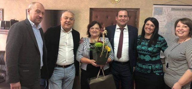 Общинският служител  г-жа Снежанка Владова днес празнува юбилей!