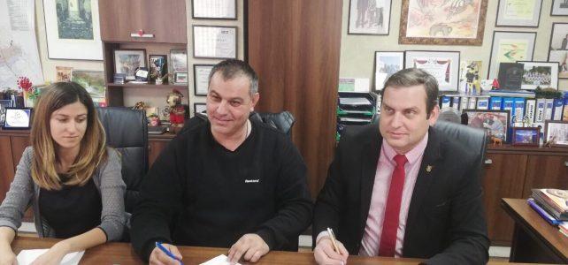 Община Костинброд подписа договор за обществен превоз на пътници по автобусните линии от общинската и републиканската транспортни схеми