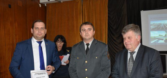 """Наградиха победителите в областния етап на конкурса """"Пожарникар на годината"""""""