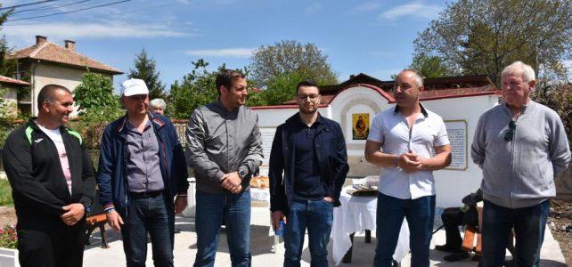 На 04.05.2019г. беше открита и осветена реновираната чешма в центъра на село Голяновци