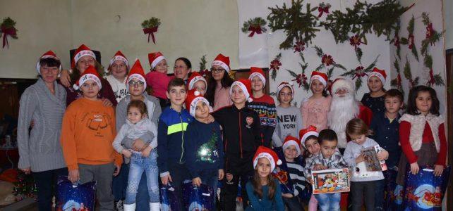 Дядо Коледа посети село Опицвет