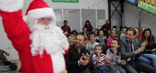 На  14.12.2017 година в сградата на ДЦРДУ –  Костинброд се проведе Коледно тържество от малките възпитаници на центъра