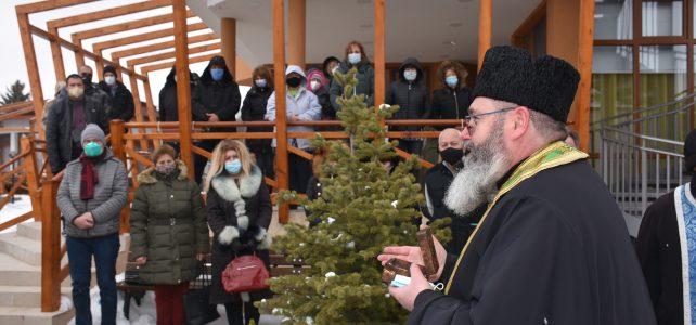 Община Костинброд прие мощите на покровителя на децата – Свети Стилиян Детепазител