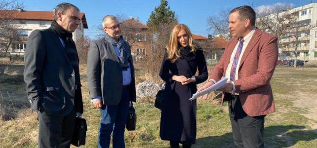 Днес, 2 март 2021, в община Костинброд се подписа договор между община Костинброд и изпълнителите на новата детска градина в центъра на град Костинброд