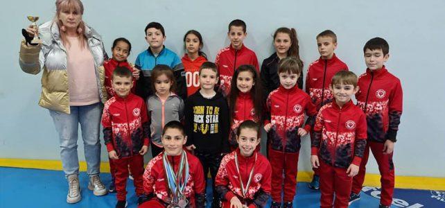 """Клуб по лека атлетика """"Фортуна"""" за пореден път са първенци в атлетическата лига за деца"""