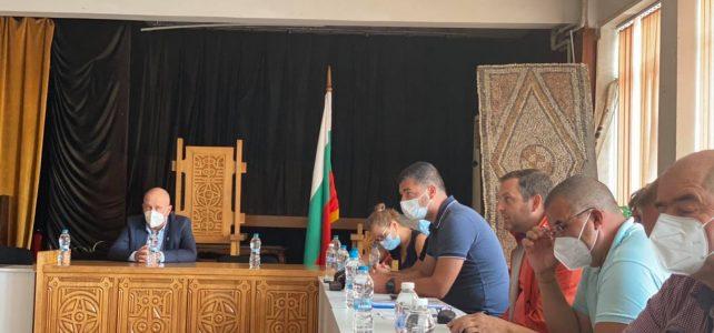 Община Костинброд и ЧЕЗ Разпределение организираха обща работна среща за решаване на натрупалите се проблеми с електрозахранването, честите прекъсвания, сигнали и жалби от граждани на общината