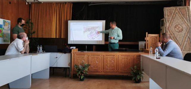 """Днес, 31 август 2021 г., в малкия салон на НЧ """"Иван Вазов-1947"""" се проведе обществено обсъждане на Проект на """"План за интегрирано развитие на община Костинброд за периода 2021 – 2027г."""" (ПИРО) при спазване на противоепидемичните мерки. Изключително обществено значим план за местното население, засягащ развитието на общината във всякакъв аспект."""