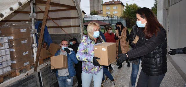 Днес бяха получени и разтоварени два камиона с хранителни продукти от Български Червен кръст за 671 правоимащи лица в Община Костинброд