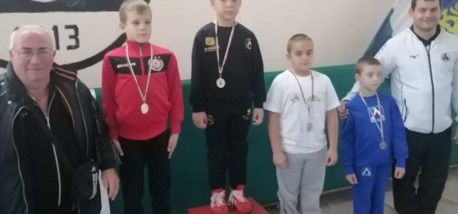 Клубът ни по борба отново с медал от турнир!